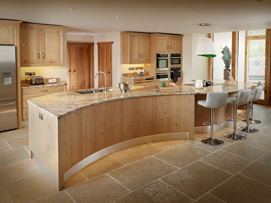 Pippy Oak. Contemporary Kitchens